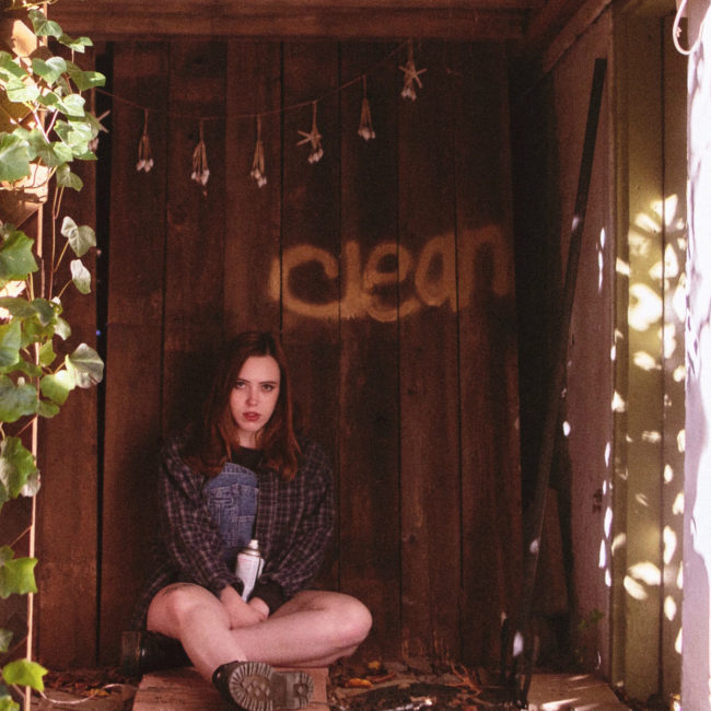 SOCCER MOMMY: Clean